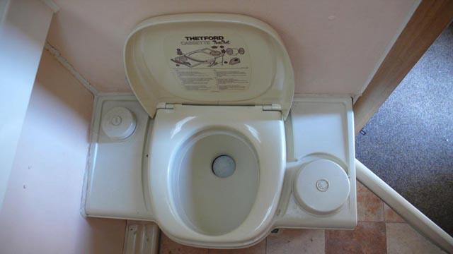 Туалет в доме на колёсах